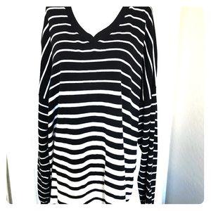 Lane Bryant Sweater Black and White Size 26/28